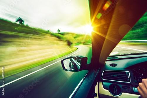 Fotografia Driving Down the Road