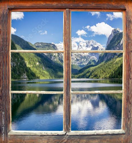 Fototapeta Widok z okna na jezioro Gosausee, Austria ścienna