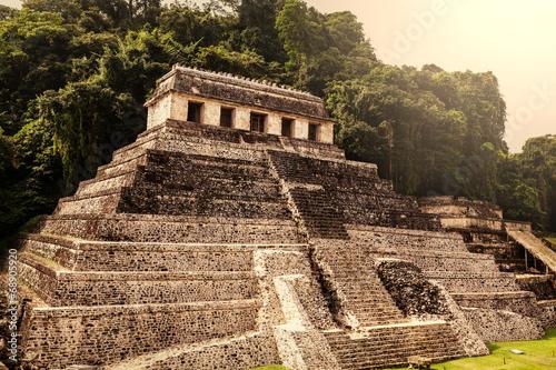 Palenque #68905920