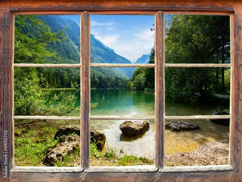 Fototapeta Widok z okna na austriackie jezioro Bluntautal XXL