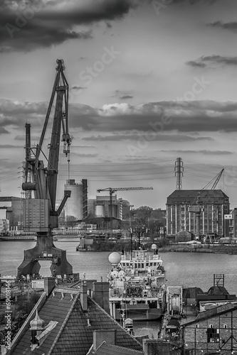 Stampa su Tela Shipbuilding crane in the city of Gdansk, Poland