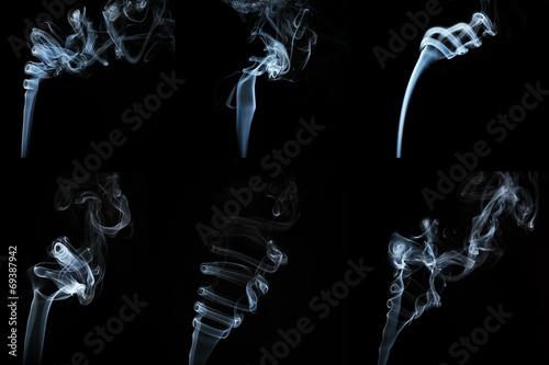 Zestaw dymu na czarnym tle