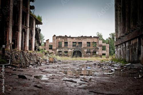 Fotografia War devastation fear , scenery, wet, dirty, home town