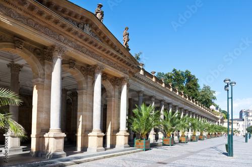 Fotografie, Obraz Mlýnské kolonádě, lázeňské město Karlovy Vary, Česká republika