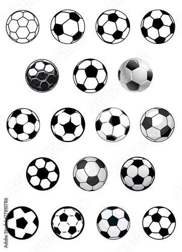Photo Black and white soccer balls or footballs