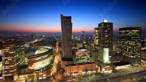 Fototapeta Centrum Warszawy o zachodzie słońca panoramiczna