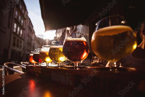 Tableau sur Toile Vol de six bières pour dégustation