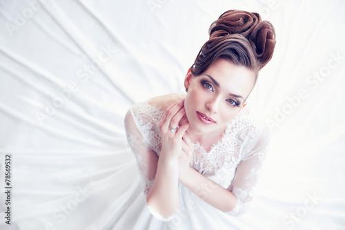 Fotografia Closeup portrait of young gorgeous bride
