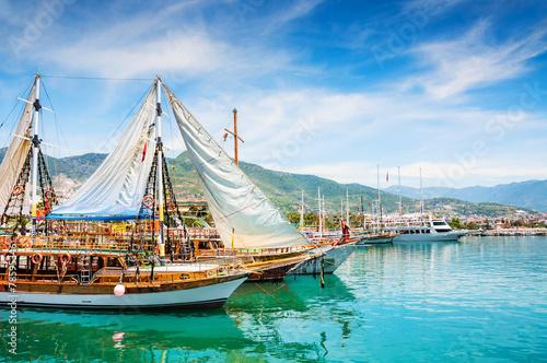 Fotografie, Obraz Tourist boats in the port of Alanya, Turkey