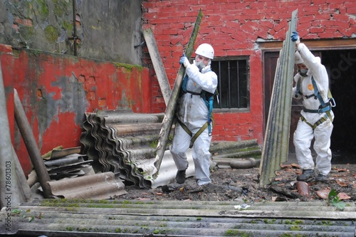 Fototapeta Trabajadores de amianto