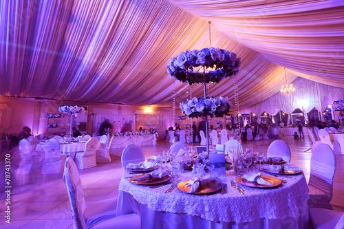 Tableau sur Toile Fleurs de mariage décoration dans le restaurant