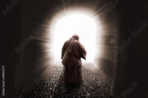 Photo blissed Friar with faith illuminated by god