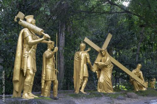 Obraz na płótnie 5th Station: Simon of Cyrene helps Jesus to carry his cross #1