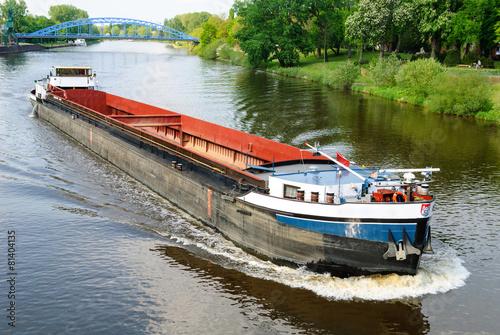Leinwand Poster Frachtschiff auf der Weser bei Nienburg