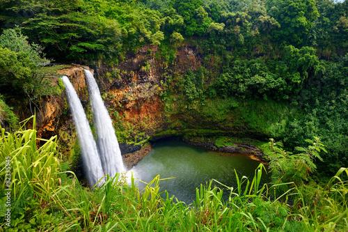 Canvas Print Majestic twin Wailua waterfalls on Kauai