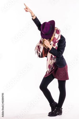 Fotografia Fashion Girl With Hat in Dance Pose