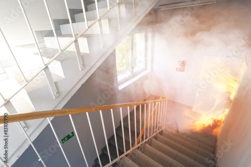 Slika na platnu Emergency exit - fire in the building