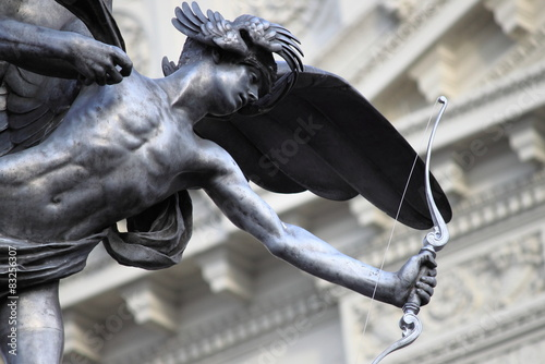 Платно Statue of Eros in Piccadilly Circus, London