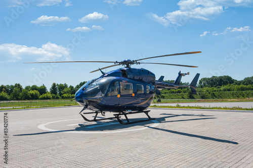 Carta da parati Helicopter parked at the helipad