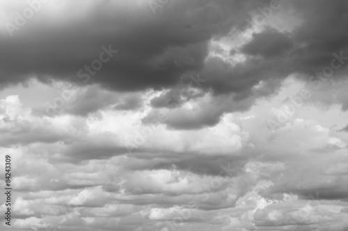Fototapeta Burzowe niebo, deszczowe chmury nad horyzontem na ścianę