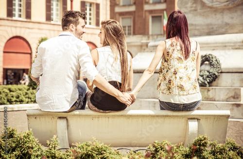 Leinwand Poster Mann betrügt ihre Freundin im Park