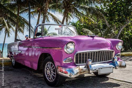 Naklejka na szafę Kuba Varadero - klasyczne parkingi w pobliżu plaży