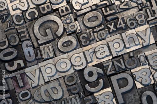 Bleisatz Buchstaben #89707325