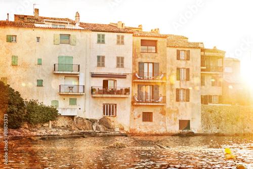 Obraz na plátně Saint Tropez old buildings