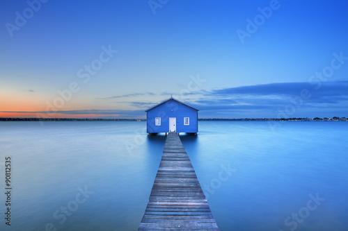 Photo Sunrise at Matilda Bay boathouse in Perth, Australia