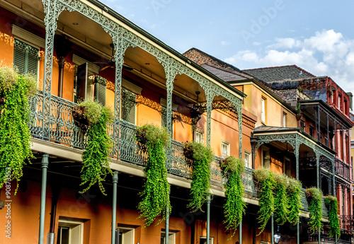 Obraz na plátně Balkon s rostlinami 12 ve francouzské čtvrti New Orleans USA