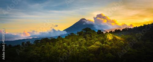 Stampa su Tela Arenal Volcano at Sunrise