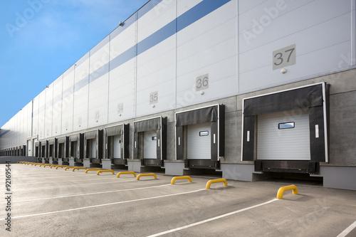 Foto A Large distribution warehouse