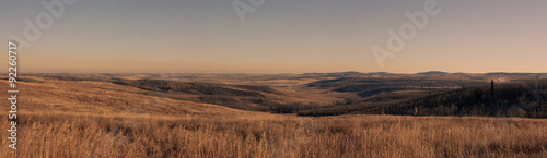 Fotografie, Obraz A panoramic landscape of foothills in the prairies, Ann & Sandy Cross Conservation, Alberta, Canada