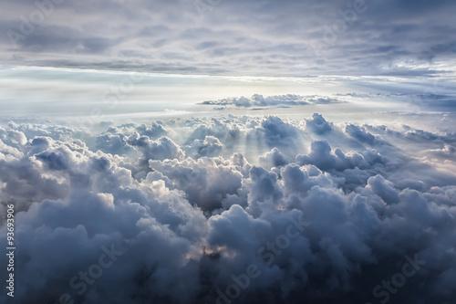 Fototapeta Piękne, zachmurzone błękitne niebo XXL
