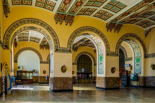 Fotografia Waiting hall in istanbul haydarpasa railway station