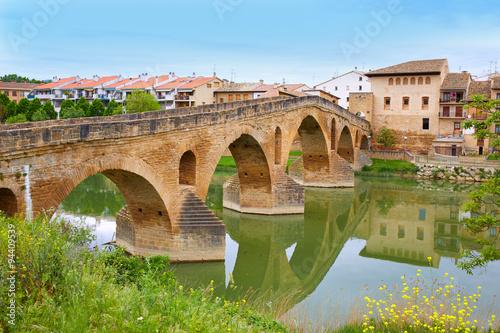 Billede på lærred Puente de la Reina in Saint James Way bridge