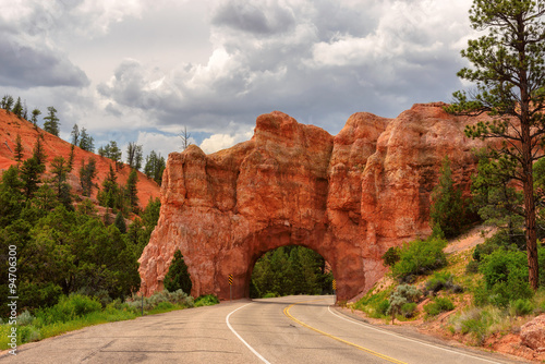 Red Arch road tunnel on the way to Bryce Canyon Fototapeta