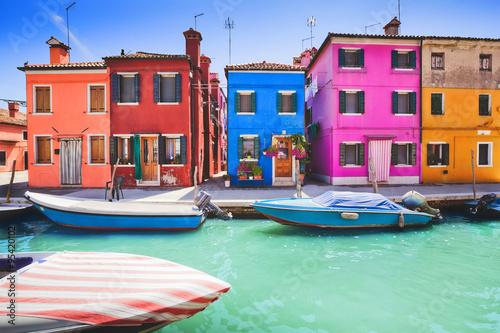 Carta da parati Colourful facade on Burano, province of Venice