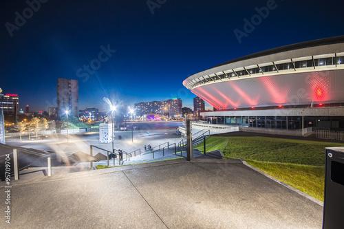 Fototapeta Nocny widok na Międzynarodowe Centrum Kongresowe w Katowicach ścienna