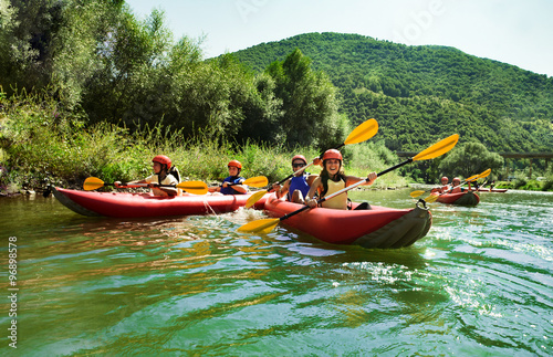 Photographie rafting calm water canoes