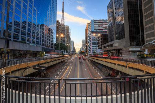 Photo Paulista Avenue at twilight in Sao Paulo