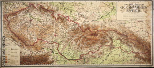 Canvas-taulu old map of czech and slovak republic from 1923