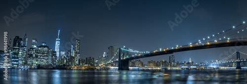 Fototapeta Nowy Jork - nocny widok z Brooklynu na zamówienie