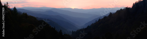 Obraz na plátně First Sun Light over Mountain Valley - Panorama
