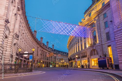 Regent Street on Christmas morning фототапет