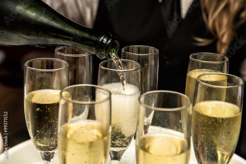 Obraz na plátně Nalévání šampaňského