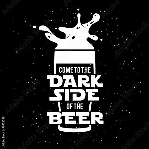 Ciemna strona wydruku piwa. Chalkboard vintage ilustracji.
