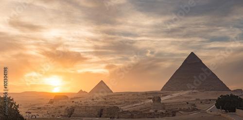 Stampa su Tela Egypt. Cairo - Giza. General view of pyramids