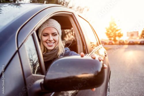 Fotografia Woman driving a car