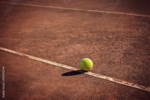 Canvas Print tennis ball on the line